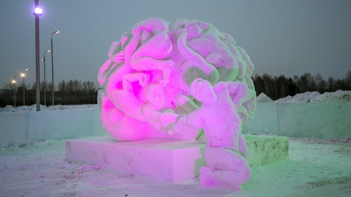 Новые скульптуры из снега и льда решили сделать на острове Татышев в начале весны