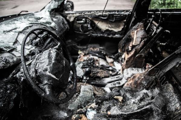 В Камышине сгорели два немецких автомобиля