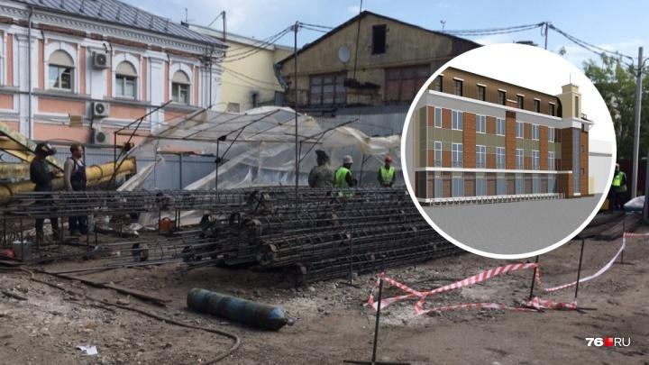 Власти приостановили стройку четырёхэтажного кинотеатра на улице Депутатской
