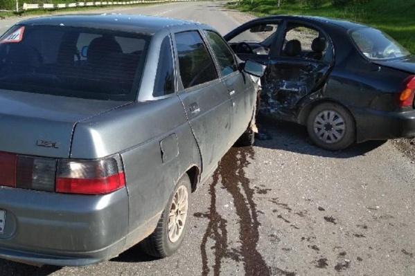 В ДТП пострадали три пассажира ВАЗ