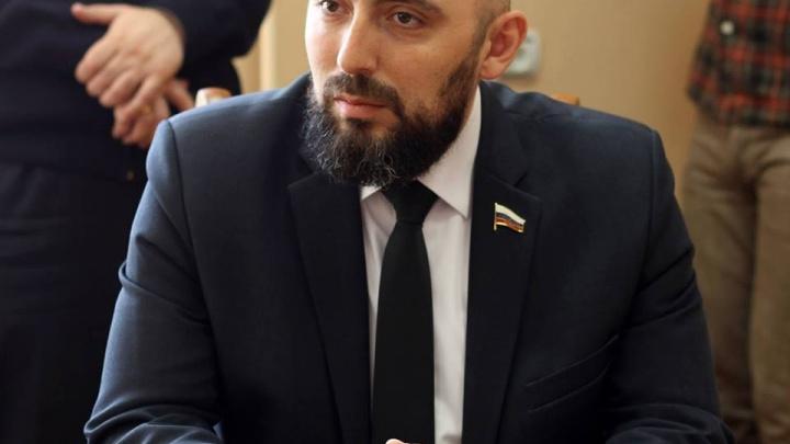 Мошенники собирали деньги от имени новочеркасского депутата Андрея Карабедова
