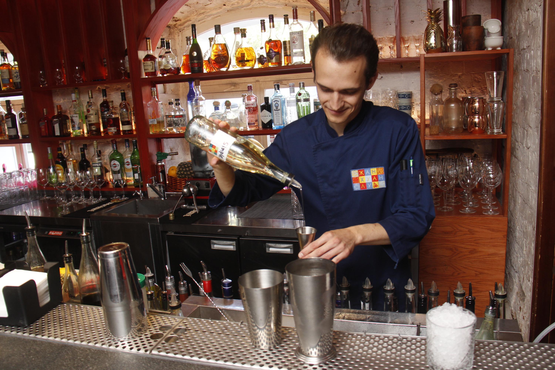 Иван Барсуков признается, что лишь один из десяти посетителей баров готов попробовать что-то незнакомое для себя