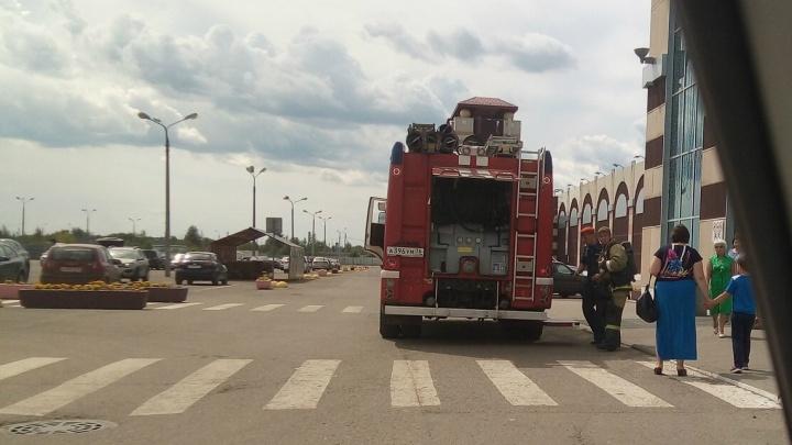 «Люди эвакуировались сами»: в МЧС сообщили, что произошло в «Альтаире»