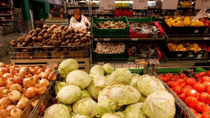 В Волгоградской области за полгода взлетели цены на обязательные продукты: картошку и молоко