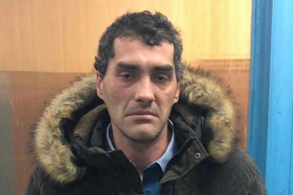 Появилось фото преступника, который напал с ножом на девушку в центре Самары