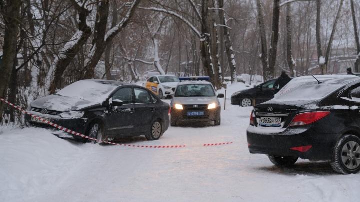 Вышел на улицу и начал стрелять по людям: в Перми мужчина убил из ружья женщину и ранил росгвардейца
