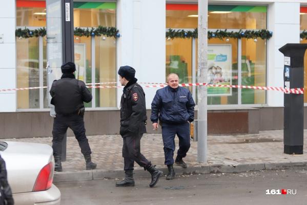 Инцидент произошел, когда сотрудник полиции решил проверить документы у подозрительного водителя