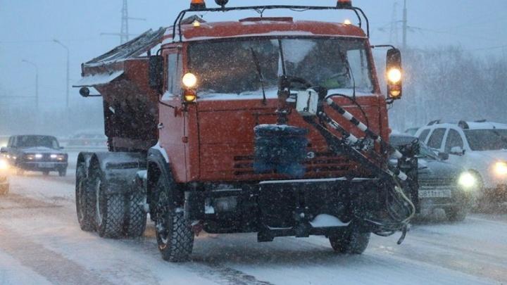 Уфа попала в снежный плен: город встал в пробках