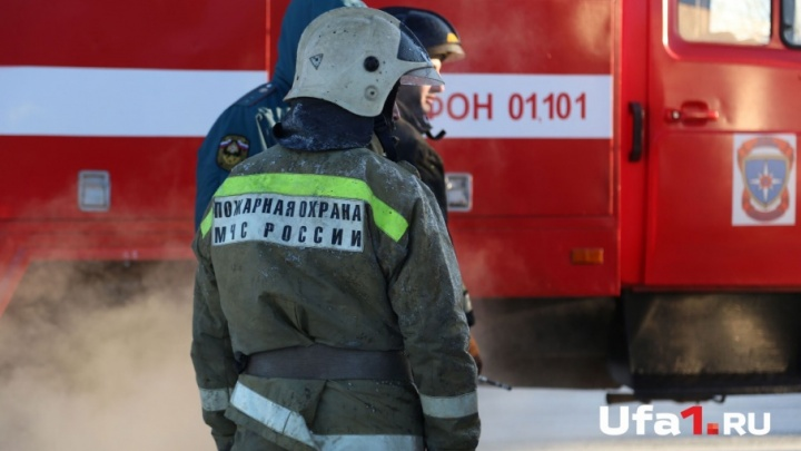 В Стерлитамаке эвакуировали жильцов горящей высотки