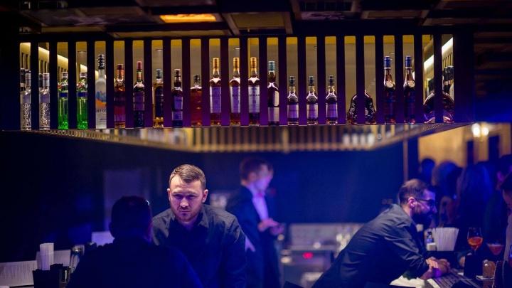 В кинотеатре «Победа» заработал элитный ночной клуб с депозитом в 100 тысяч рублей