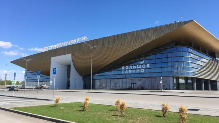 Вылетевший из Тюмени самолет экстренно сел в Перми из-за пассажира, которому стало плохо с сердцем