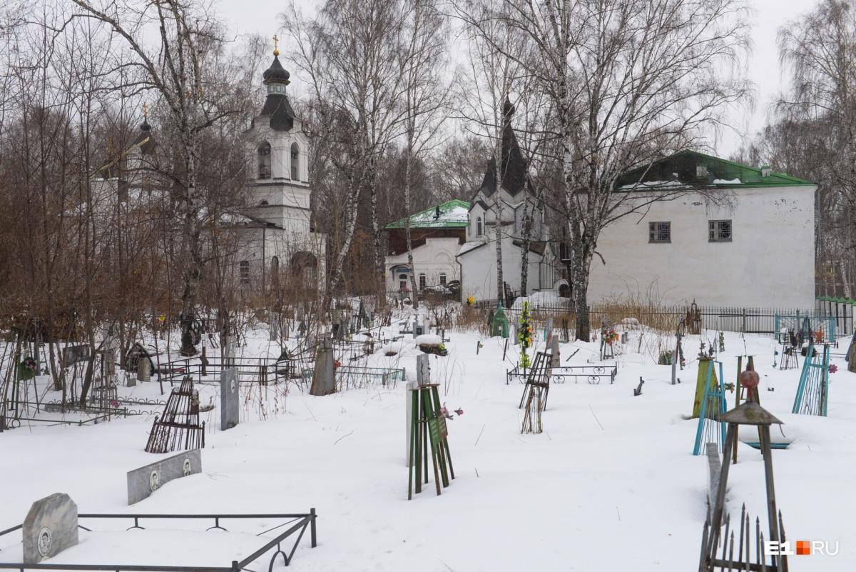 Советские надгробия легко узнать — они в форме пирамидок