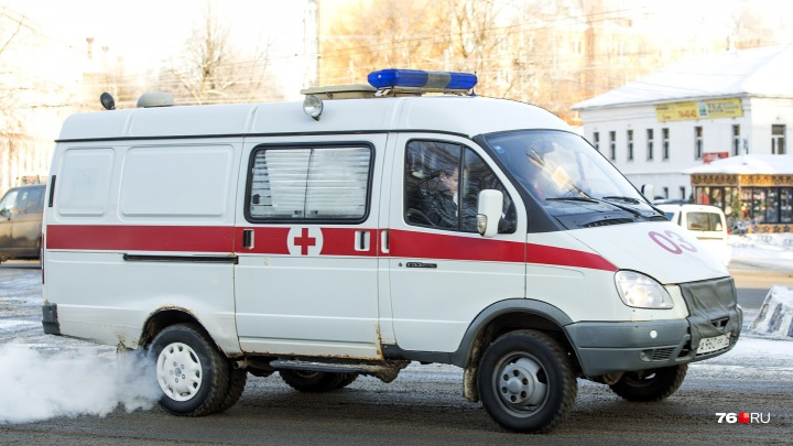 Сбил женщину и уехал: в Ярославле разыскивают испугавшегося правосудия водителя