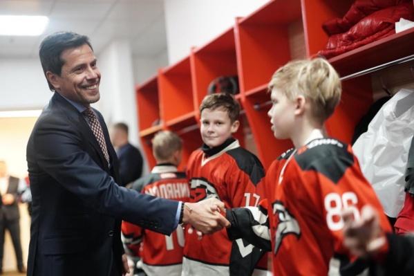 По словам Крылова, в академии тренеры в первую очередь «воспитывают детей, личностей»