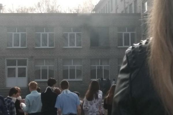 В школу выехал руководитель Следственного комитета республики