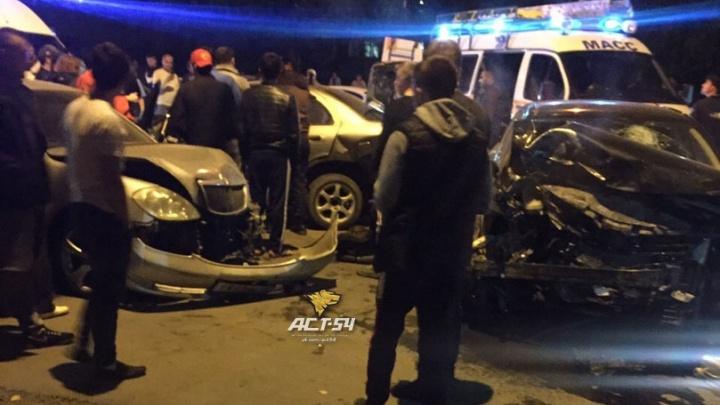 «Подушки безопасности все в крови»: на Богаткова столкнулись несколько машин - есть пострадавшие