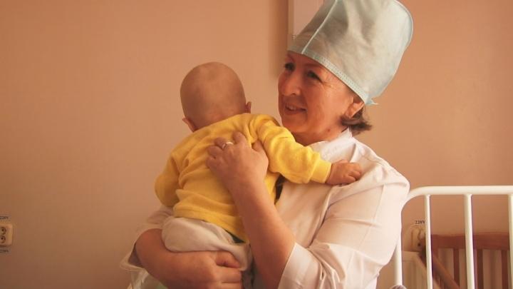 «Мама не появилась ни разу»: в Башкирии на земле у подъезда нашли 9-месячного ребенка