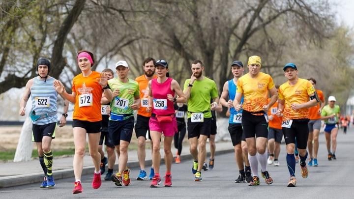 В Волгоград едут бегуны со всей России: полное расписание спортивного праздника на 27 и 28 апреля