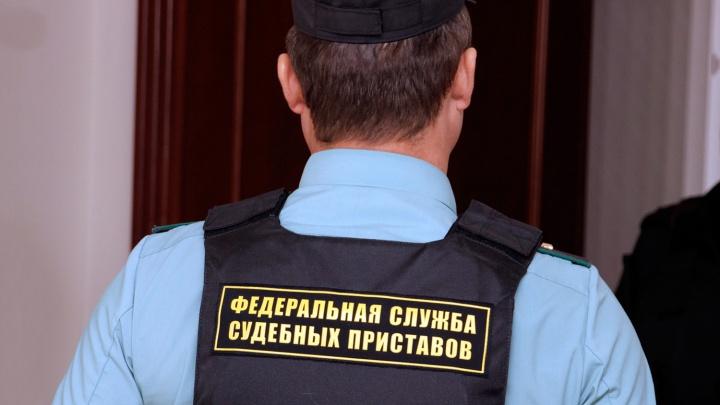 Разгневали покупателей: приставы арестовали два магазина из-за долга в 260 тысяч