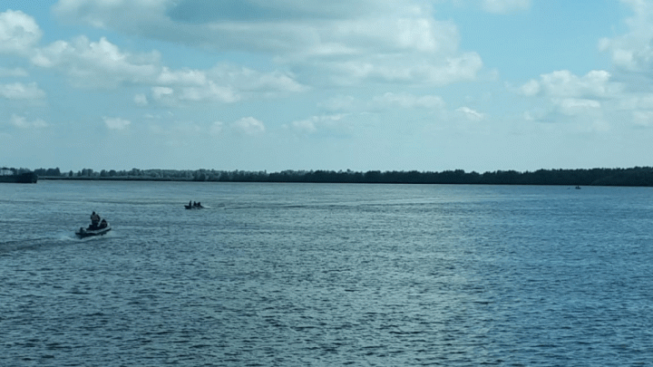 В Башкирии перевернулась лодка с тремя рыбаками: двух нашли, третьего — нет
