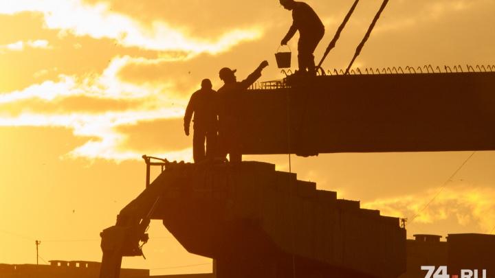 Быстрая развязка: показываем, как мост на Братьев Кашириных построили за одну минуту