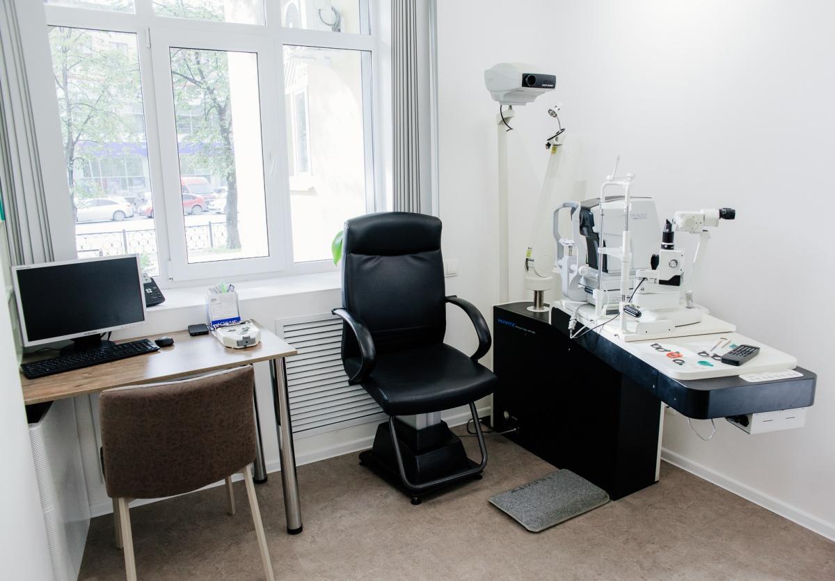 В салоне на Ленина есть лицензированный офтальмологический кабинет
