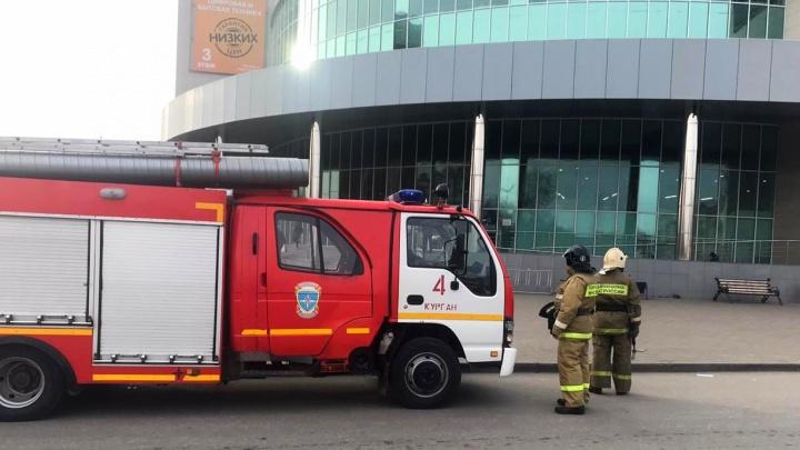 В Кургане в ТРЦ «Пушкинский» вновь прошла эвакуация из-за сработавшей пожарной сигнализации