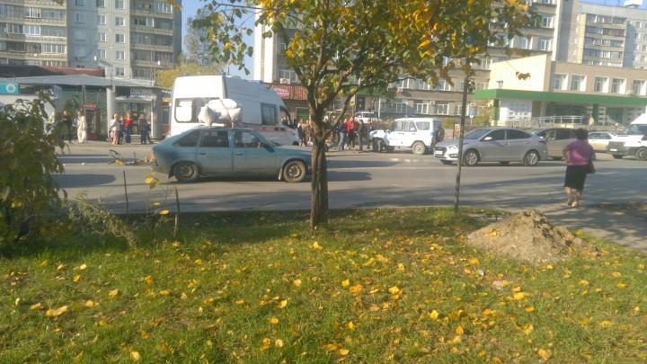 «Рядом стоит мать, плачет»: автобус сбил ребёнка на пешеходном переходе в Калининском районе