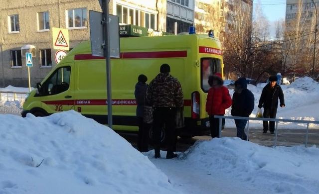 На Логунова водитель иномарки сбил 68-летнюю женщину, переходившую дорогу по «зебре»