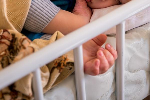 Полиомиелит опасен для детей в&nbsp;возрасте до&nbsp;пяти лет. Он может проникнуть в&nbsp;центральную нервную систему и привести к параличу и даже к смерти заболевшего<br>