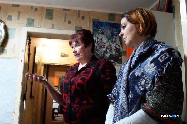Галина Миронченко (на фото слева) настояла, чтобы корреспонденты НГС ушли
