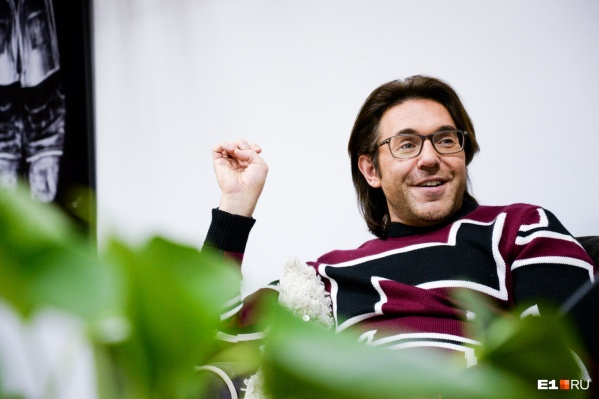 Малахов приготовил конкурсантам приз — путешествие и рабочее место