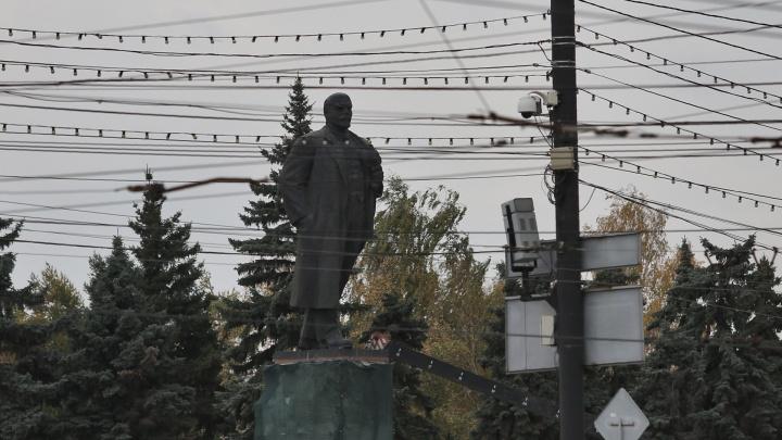 Как всё запутано: хаос с проводами превратил центр Челябинска в Юго-Восточную Азию