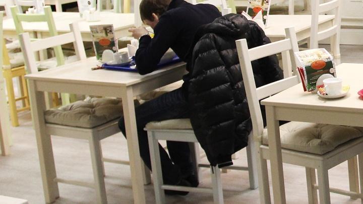 Беспечный едок: 30-летний новосибирец неделю бесплатно ел в ресторанах города