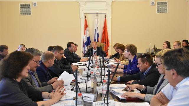 Построят дороги и очистные сооружения. Депутаты гордумы обсудили развитие городской инфраструктуры