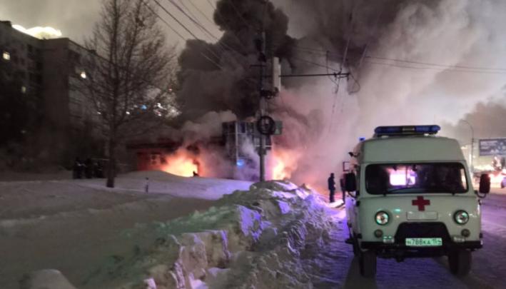 Тушили больше 5 часов: пожарные только к утру ликвидировали возгорание в похоронном доме на Фрунзе