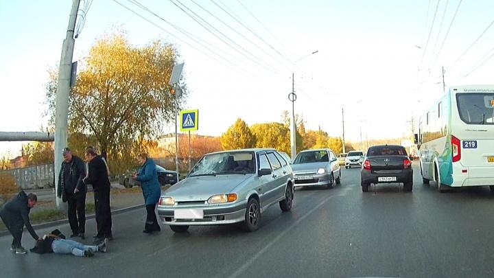 На Московке автомобилист сбил 15-летнюю девушку на «зебре»