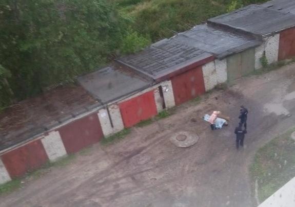 В Боровском на улице нашли мертвого мужчину