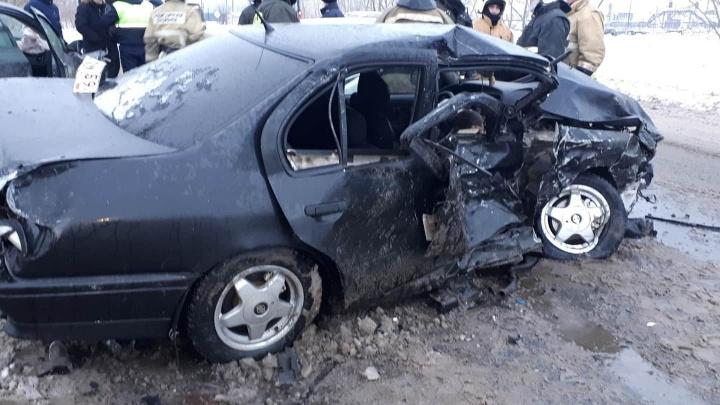 На окраине Перми в массовом ДТП погиб водитель Nissan