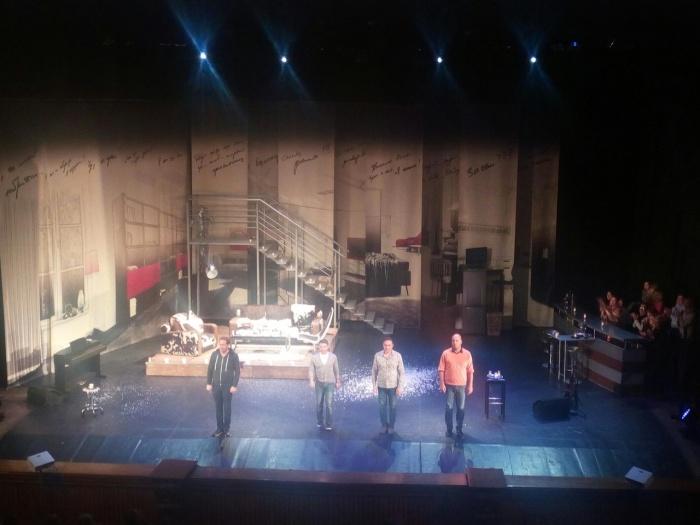 Сцена ДКЖ после спектакля «Разговоры мужчин среднего возраста»