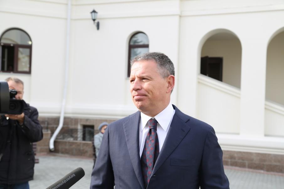 За Комаровым признали право на реабилитацию
