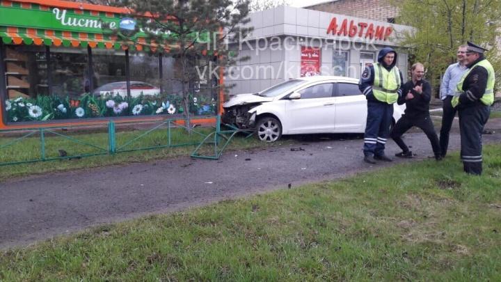 Наглый алкоголик устроил аварию на Свердловской с шоу перед инспекторами после задержания