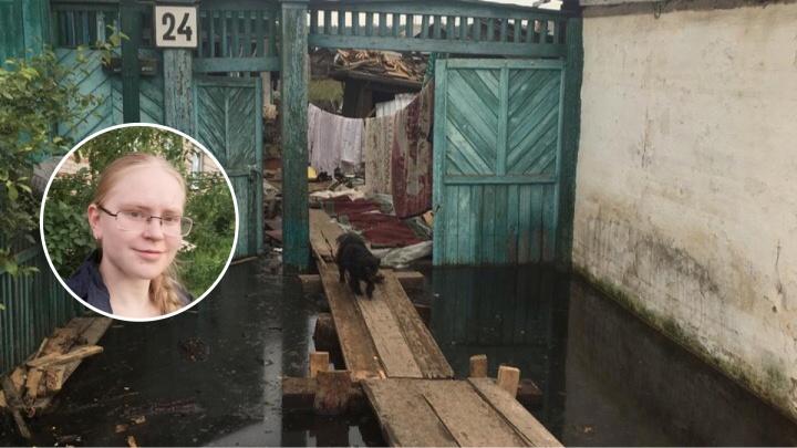 «Воду откачивают до сих пор». Пермячка — о первых днях волонтерства в затопленной Иркутской области