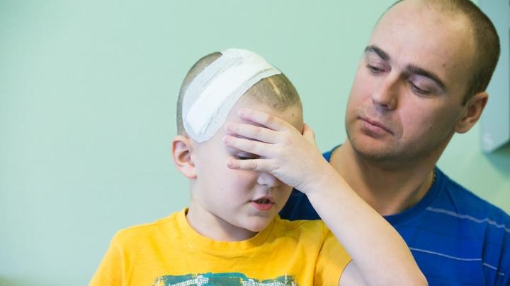 Врачи вытащили 12-сантиметровую опухоль из головы мальчика — она могла «взорваться» в любой момент