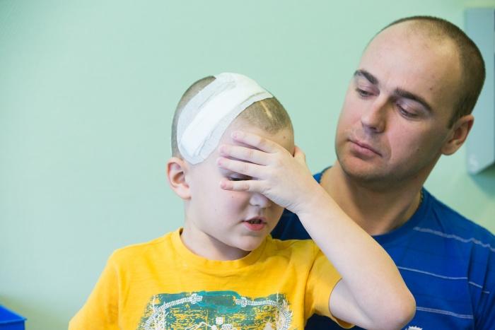 По словам маленького пациента, перед операцией голова у него буквально раскалывалась