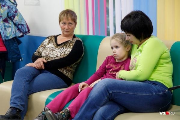 Заболеваемость детей в возрасте от 7 до 14 лет превысила эпидемиологический порог на 51,2%