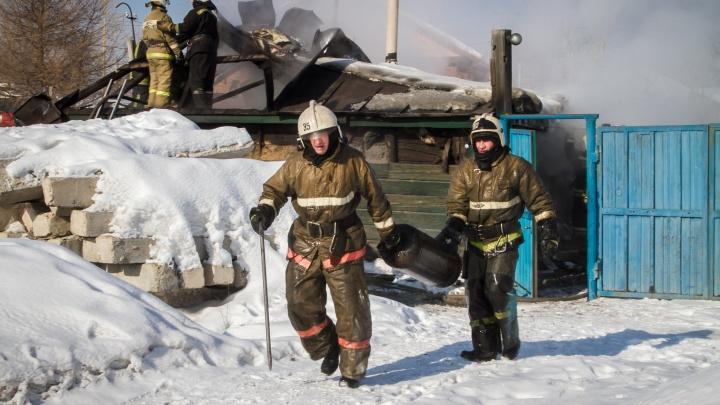 На пожаре в центре Омска погиб шестилетний мальчик