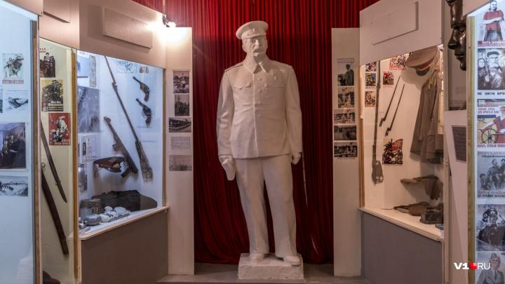 «Фактически это невозможно!»: коммунисты хотят перенести памятник Сталину из Урюпинска в Волгоград