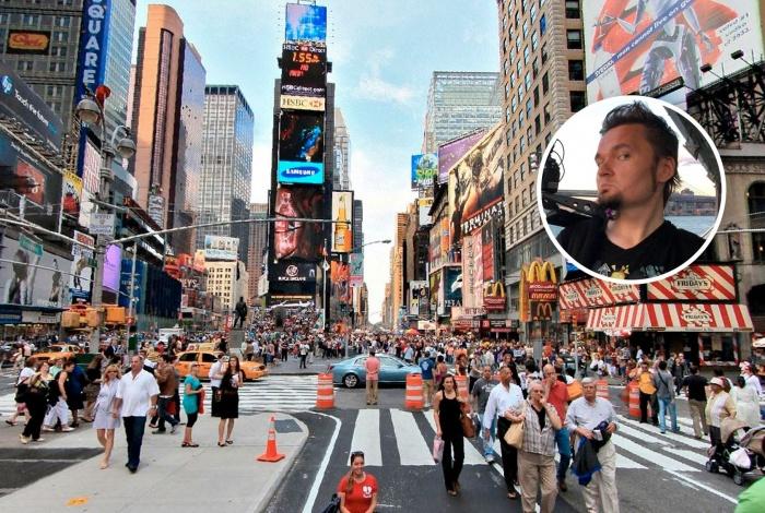 Алексей Постников живет в Нью-Йорке около года. Свою первую комнату он снял по видеочату