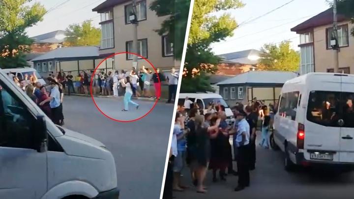 «Дорога была свободна»: отец девушки, попавшей под колеса автобуса с призывниками, — о случившемся